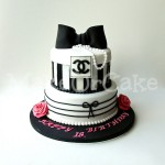 MakeUrCake - Two Tier Chanel Cake / zweistöckige Chanel Motivtorte